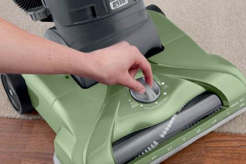 Hoover WindTunnel Plus Bagless Vacuum UH70120,